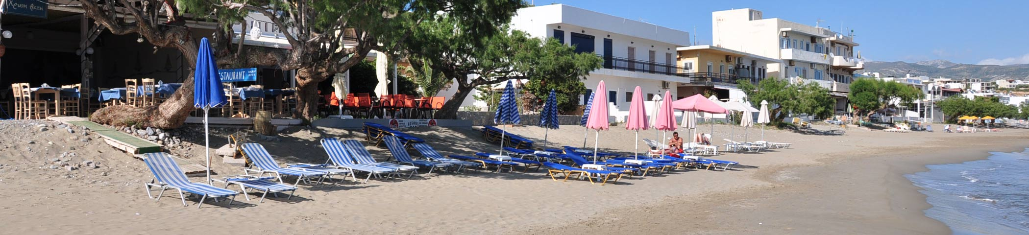 East Crete apartments and beach cafe in Makrigialos